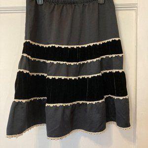NEW Mossimo Size Small Black Velvet Striped Skirt